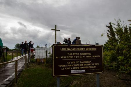 Eingang zu Lochnagar mit Warnschild