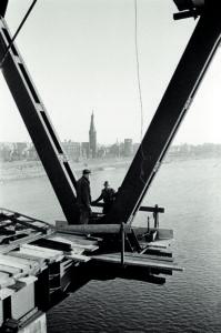 Arbeiten an der Oberkasseler Brücke