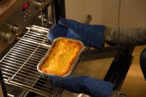 Lasagne kommt aus dem Ofen